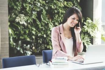 Empleo-Trabajo-Oficina-Mujer