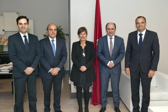 José Luis Blanco, Rafael Mateo, la Presidenta Uxue Barkos, Manu Ayerdi y Markus Tacke en la recepción previa a la jornada.