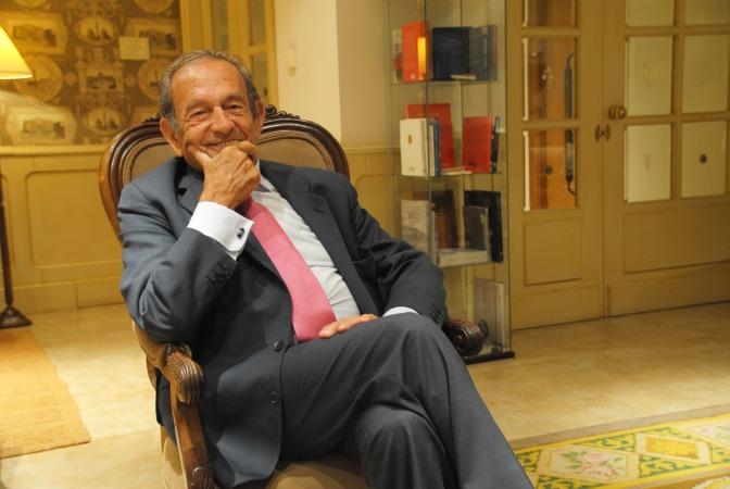 José Antonio Pérez-Nievas, fotografiado en uno de los salones del Hotel La Perla.