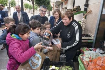La consejera Elizalde y el alcalde de Sangüesa, Angel Navallas.
