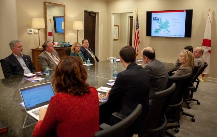 La delegación navarra mantiene un encuentro de trabajo con Tuscaloosa Industrial Development.