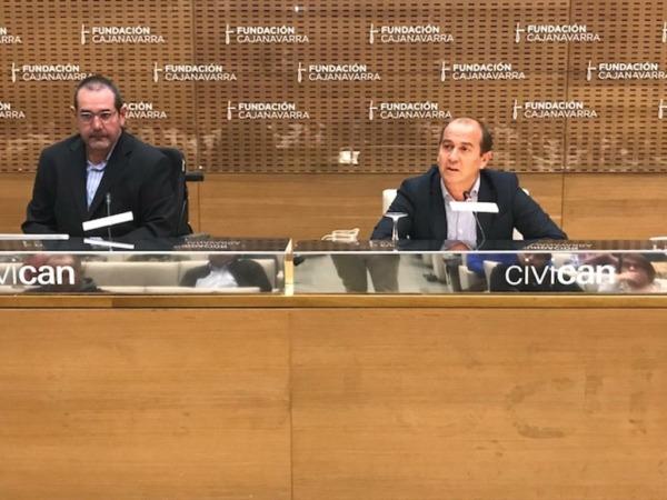 Javier Miranda, presidente del patronato de Fundación Caja Navarra, y Javier Fernández Valdivielso, director general.