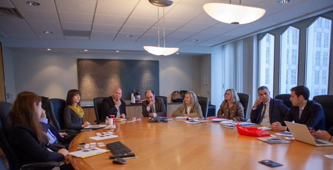 La delegación Navarra en la Camara de Comercio de Detroit, con los representantes de la Camara.