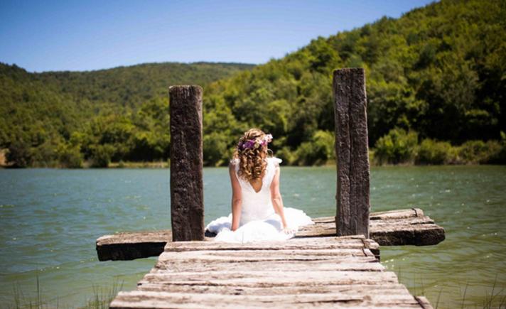 El  lago del Señorío de Beraiz es un marco incomparable para celebrar una boda. (Foto: PixelArt)