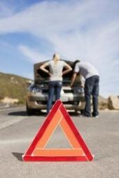 Es importante asegurarse de llevar a reparar nuestro vehículo a un taller con las licencias pertinentes.