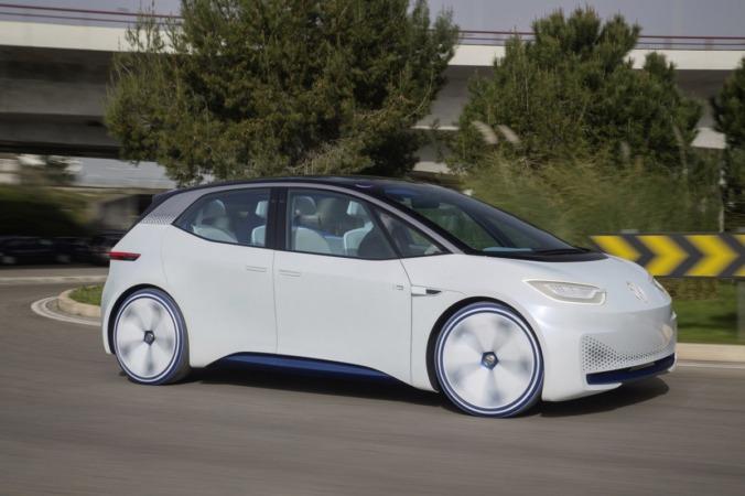 Un prototipo de vehículo eléctrico fabricado por Volkswagen que adelanta como pueden ser sus futuros modelos.