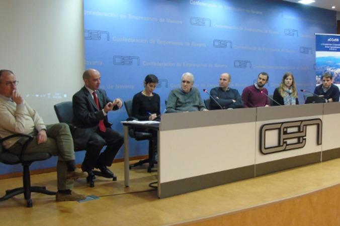 Los participantes en la sesión informativa, celebrada en la sede de CEN.