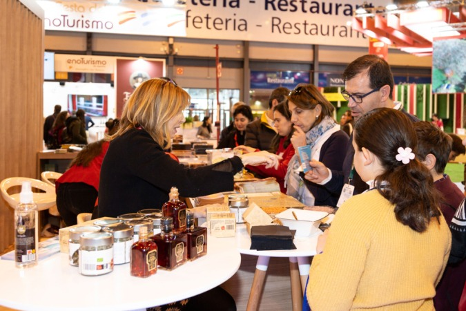 Fitur-stand-B
