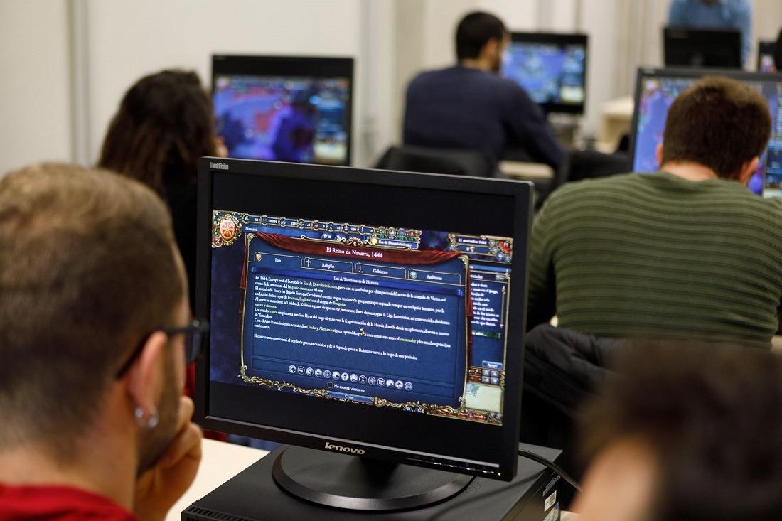 Una de las pantallas del videojuego que hace referencia al Reyno de Navarra en la Edad Media.