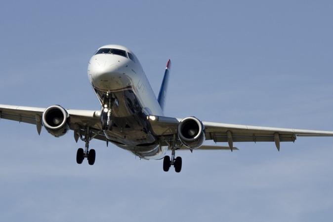En 2018 han despegado o aterrizado en el Aeropuerto de Pamplona 6.422 aviones.