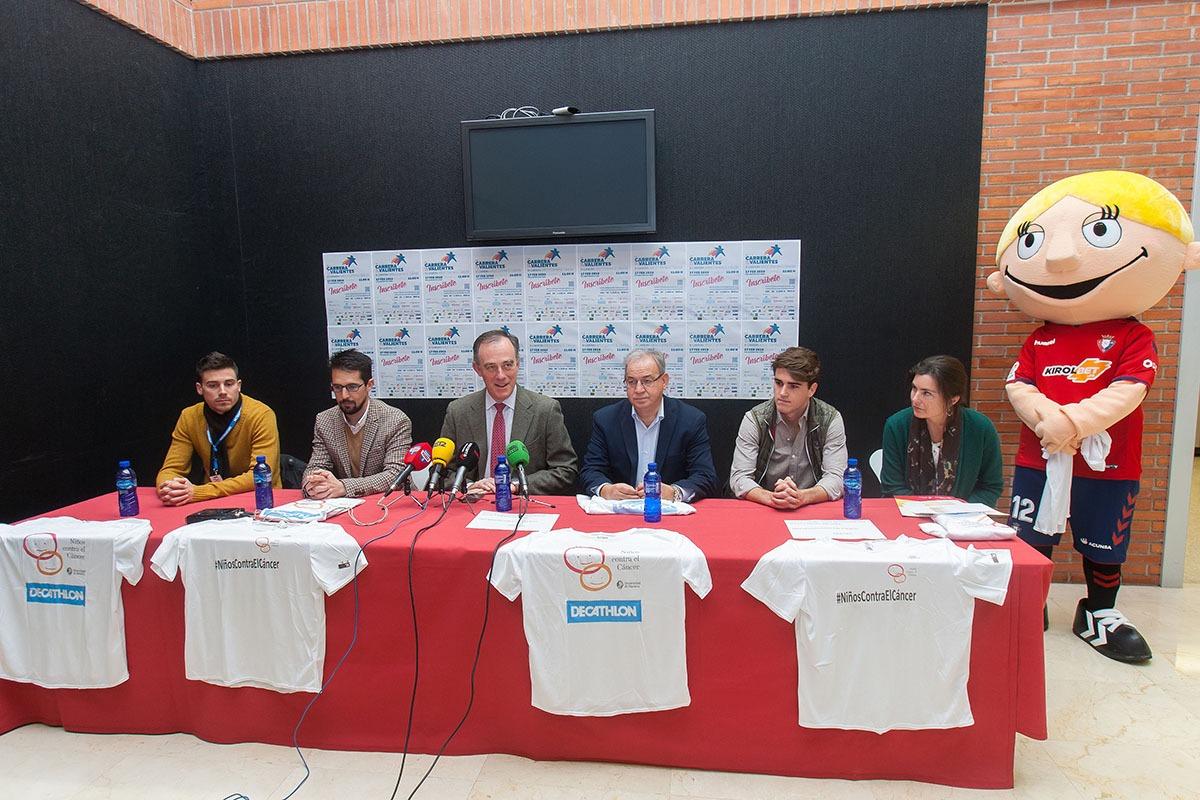 De izquierda a derecha, Luis Moro, Rodrigo Domínguez, Tomás Gómez-Acebo,  Fidel Medrano,Javier Martínez y Marta Lipuzcoa, en la presentación de la III Carrera de los Valientes.