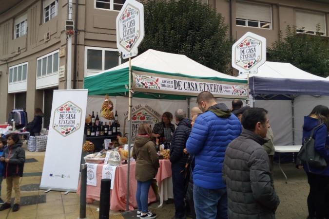 Una acción de promoción de la campaña llevada a cabo en Estella.