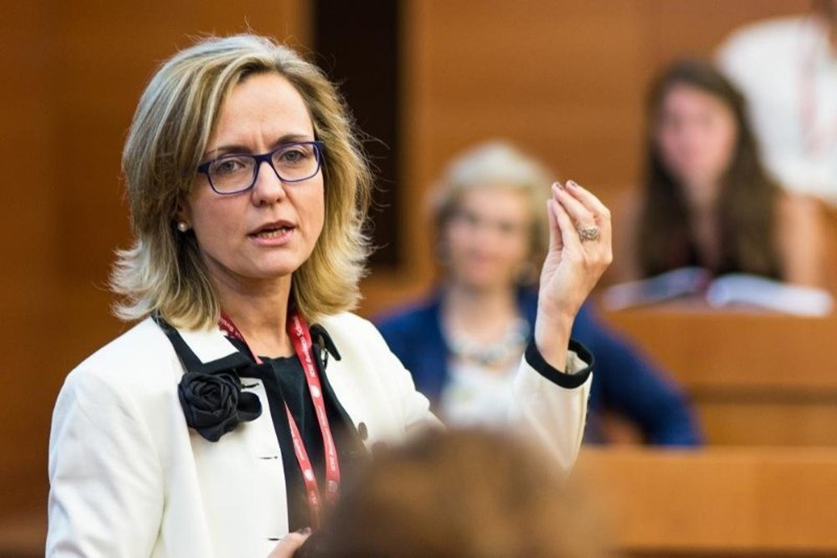 La profesora del IESE Mireia Las Heras, durante la charla.