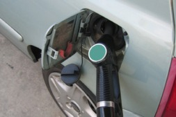La moderación del precio de los combustibles ha contenido el alza del IPC.