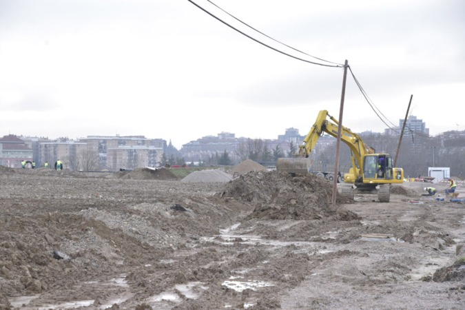 El movimiento de tierras en la parcela ya ha finalizado.