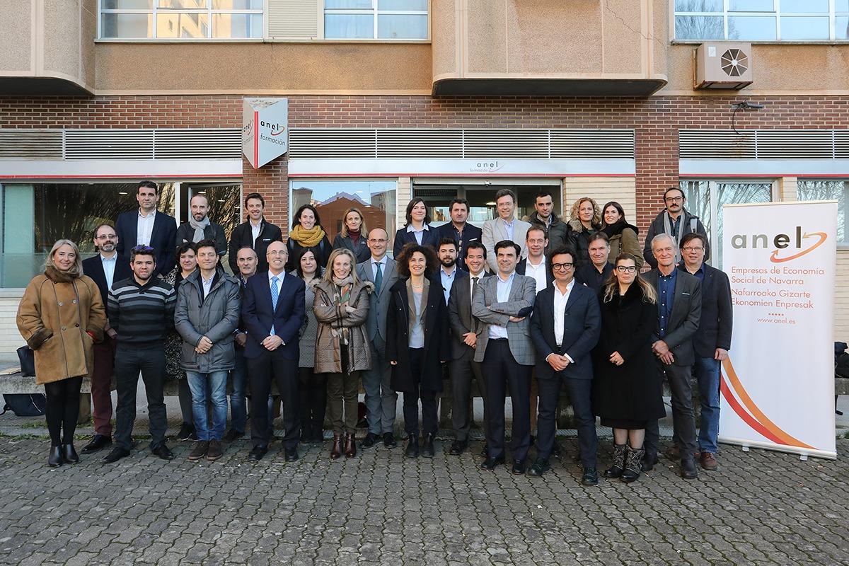Representantes de todos los países participantes en el encuentro de Economía Social. (Fotos: Javier Ripalda)