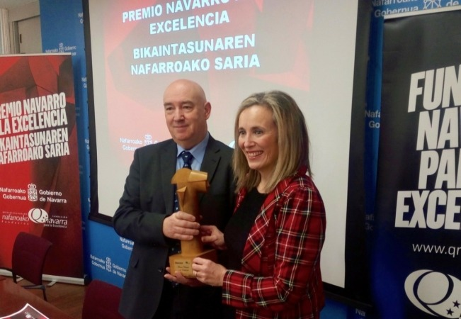 Marino Barasoain, director general de la Fundación Navarra para la Excelencia; e Izaskun Goñi, directora general de Política Económica, Empresarial y Trabajo.