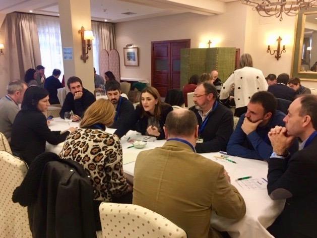 Varios empresarios agroalimentarios, reunidos en Calahorra para hablar sobre Economía Circular. (Fotos cedidas)