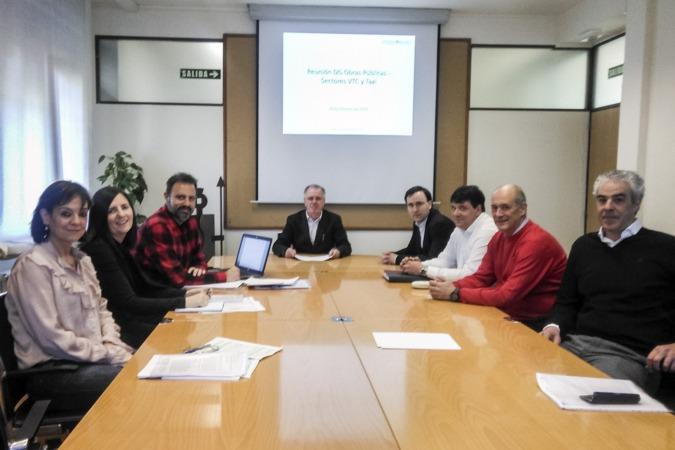 Los participantes en la reunión.
