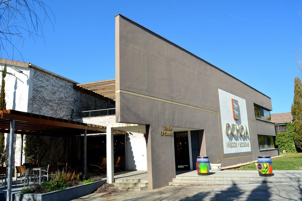 Bodegas-Ochoa-instalaciones-olite-exterior
