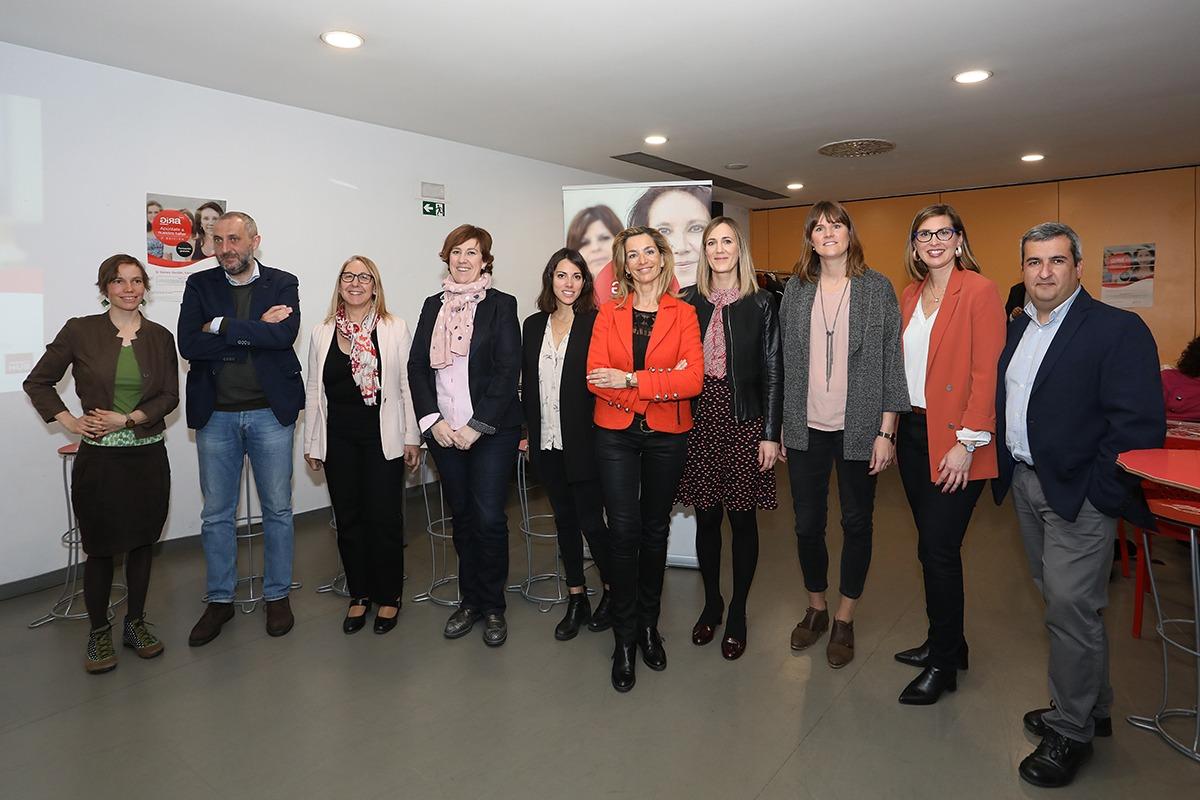 Varios de los ponentes de GIRA Mujeres de Coca-Cola, esta mañana en Civican. (Fotos: Javier Ripalda)