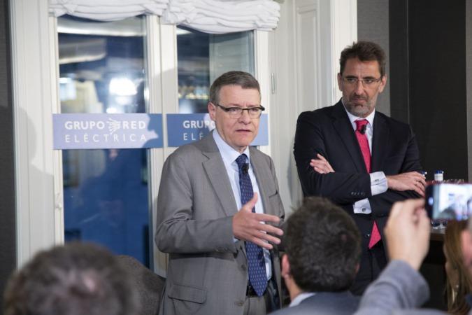 El presidente de Red Eléctrica, Jordi Sevilla, y el consejero delegado, Juan Lasala.
