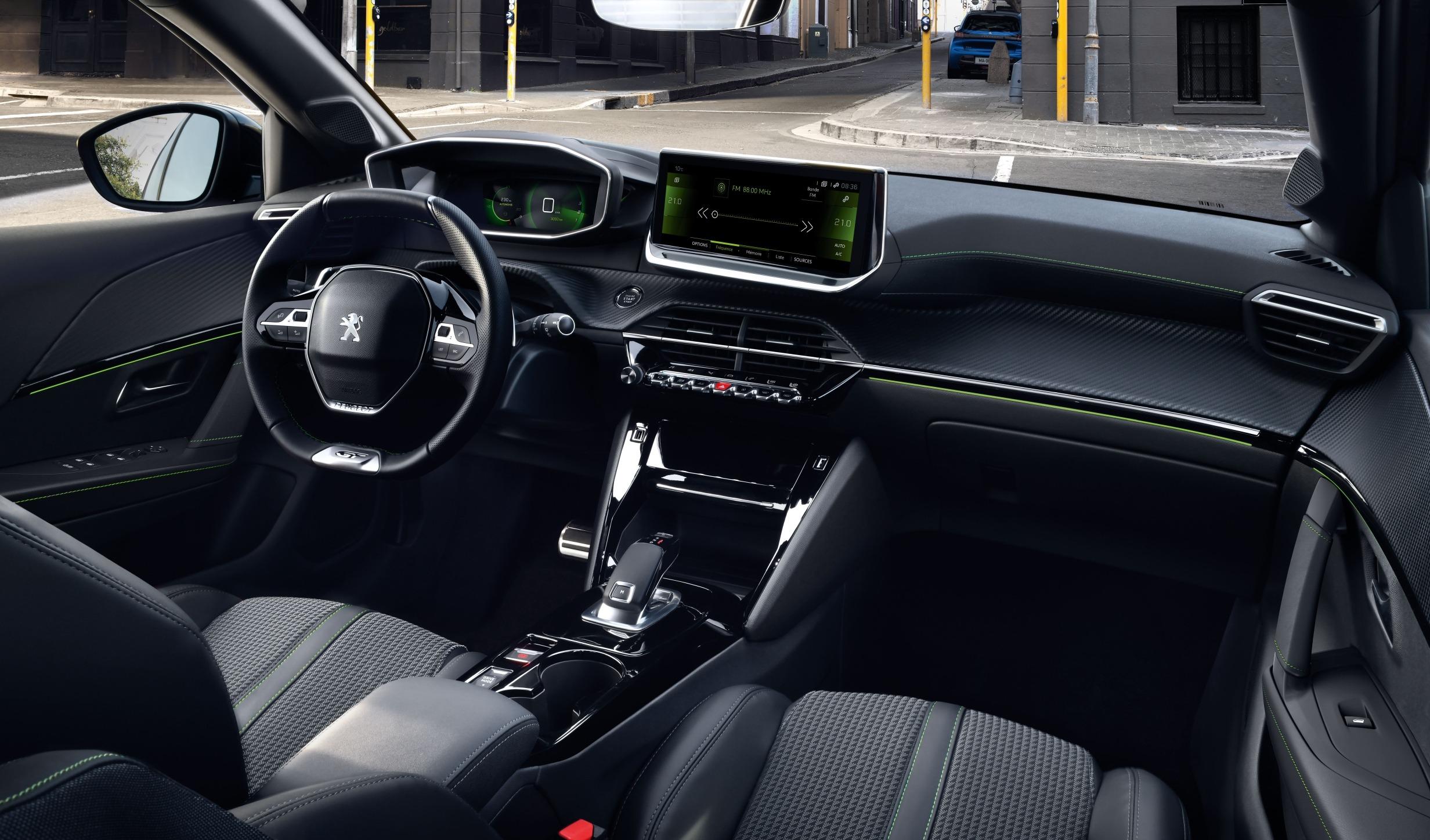Interior del Peugeot 208.