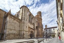 La emblemática catedral de Santa María de Tudela fue construida en el S. XII sobre la Mezquita Mayor. (FOTO: Javier Campos)