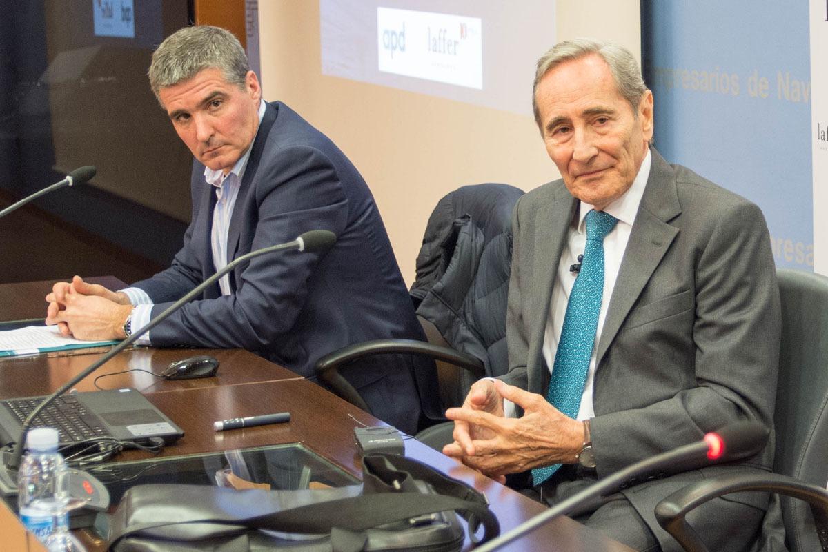Julio Linares (derecha), junto a Benito Jiménez, presidente de APD.