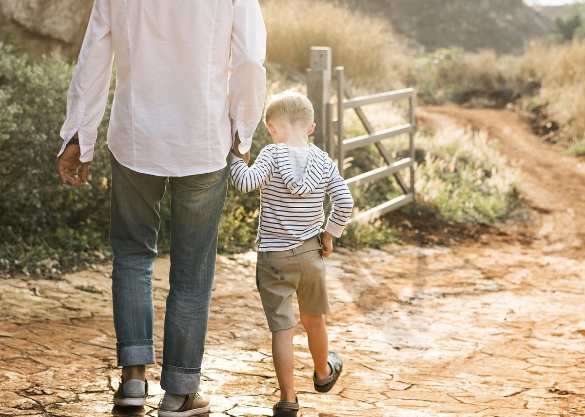 familia-padre-vacaciones-viaje