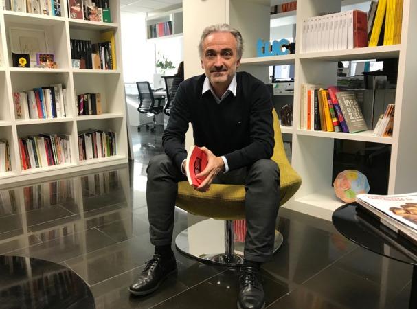 Javier Errea publica la segunda parte de 'El diario o la vida. Una defensa a tiros del periodismo y de los periódicos'.