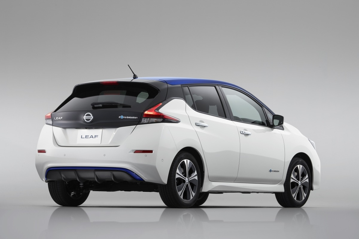 El Nissan LEAF extiende su exitosa carrera japonesa a Europa.