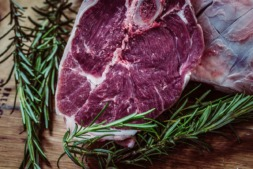 Las campañas institucionales no logran frenar el descenso en el consumo de carne fresca en Navarra.