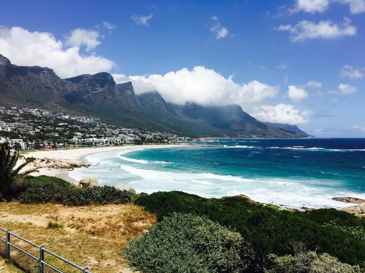 sudafrica-turismo-ciudad-el-cabo-playa