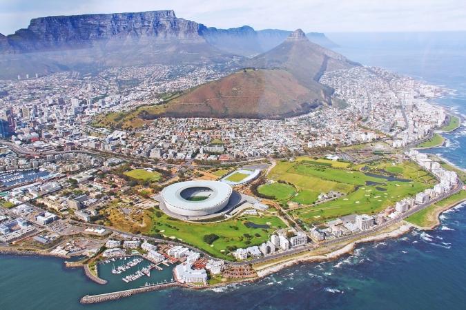 La montaña Table Mountain en uno de los símbolos de Ciudad del Cabo (Sudáfrica).