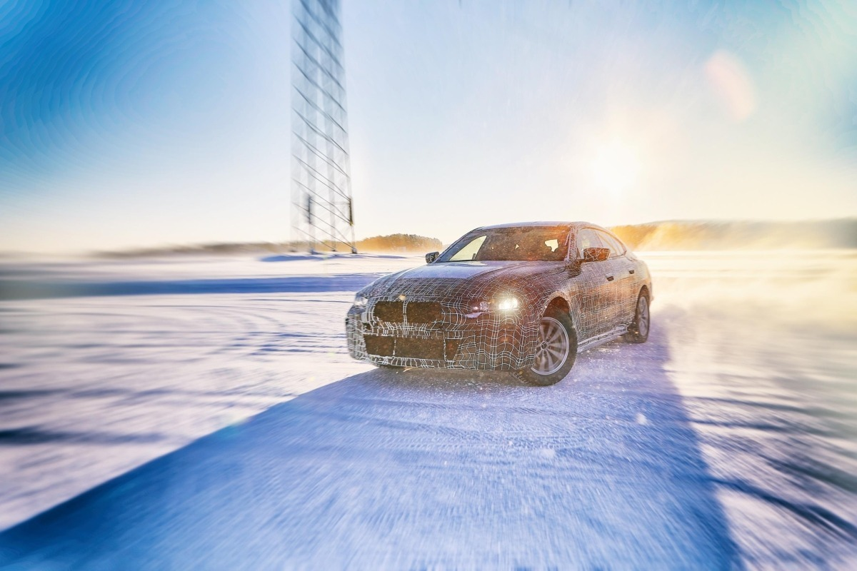 BMW prueba sus vehículos eléctricos en Suecia.