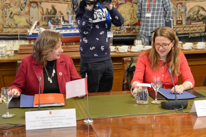 La consejera Elizalde (a la izda.) en el Consejo Consultivo de Política Agrícola celebrado celebrado en el Ministerio de Agricultura, Pesca y Alimentación.