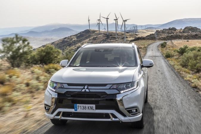 El Mitsubishi Outlander PHEV alcanza un hito de ventas.