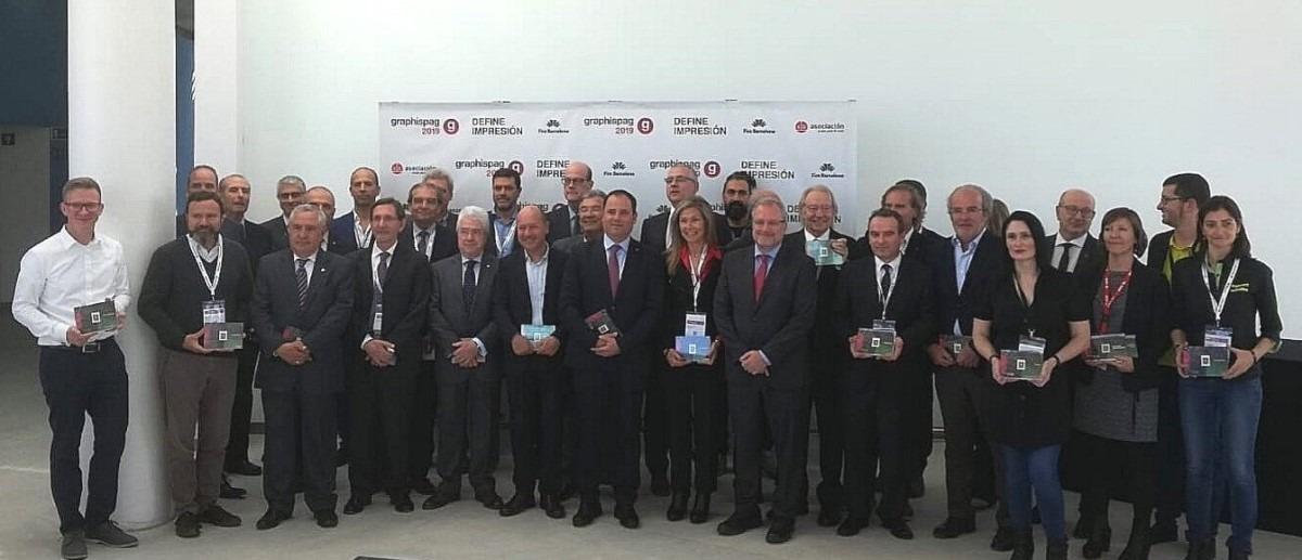 Foto de grupo de todos los premiados.