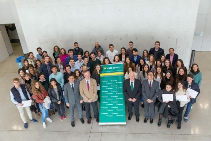 45 alumnos de la Universidad de Navarra reciben las becas Global Internship de Caja Rural de Navarra