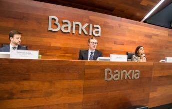 Leopoldo Alvear, director general adjunto de dirección financiera de Bankia; José Sevilla, consejero delegado de Bankia; y Amalia Blanco, directora general adjunta de comunicación y relaciones externas.