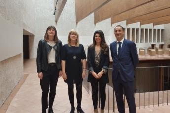 Ainhoa Zabala, directora ejecutiva de Zabala Consulting; la consejera Ana Ollo; la gerente de AJE, Raquel Trincado, y Juan Antonio Bombin, de Caixabank, en la presentación de Time en Femenino.
