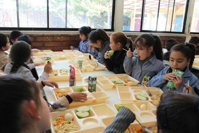 La alimentación en los colegios públicos y concertados supone 20 millones de euros al año.