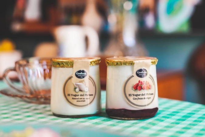 Los nuevos yogures de Goshua se presentan en tarros transparentes.