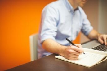 Empresa-Oficina-Competitividad-Digitalizacion-Trabajador
