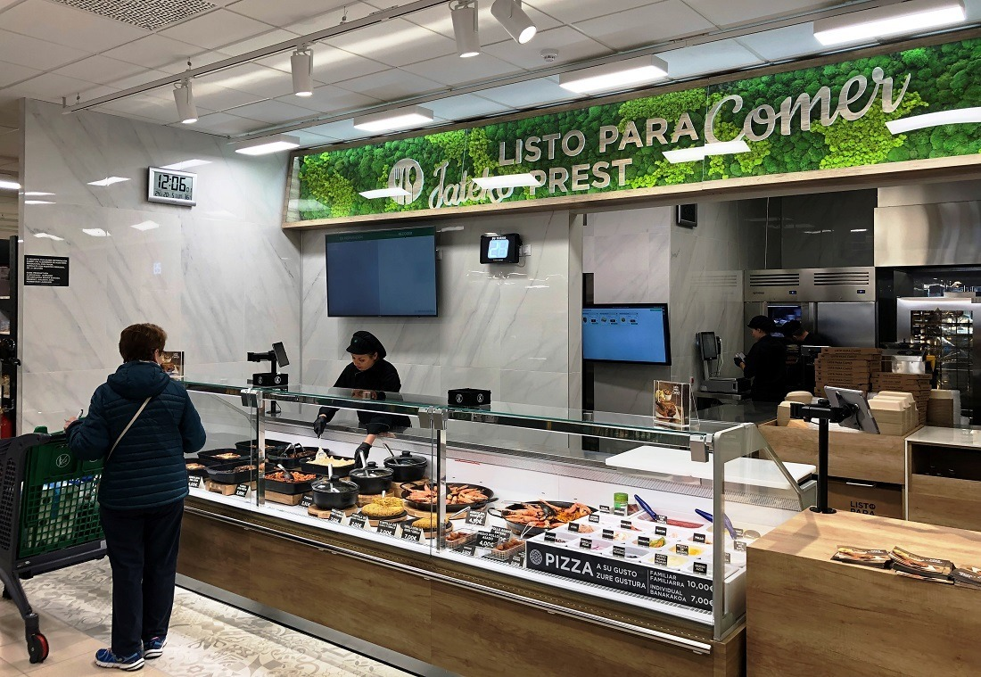 Sección de Listo para comer en el Mercadona de la Avenida Gipuzkoa en Pamplona.