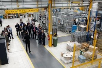 El lema 'La calidad es cosa de todos' se repite en las distintas áreas de la fábrica.