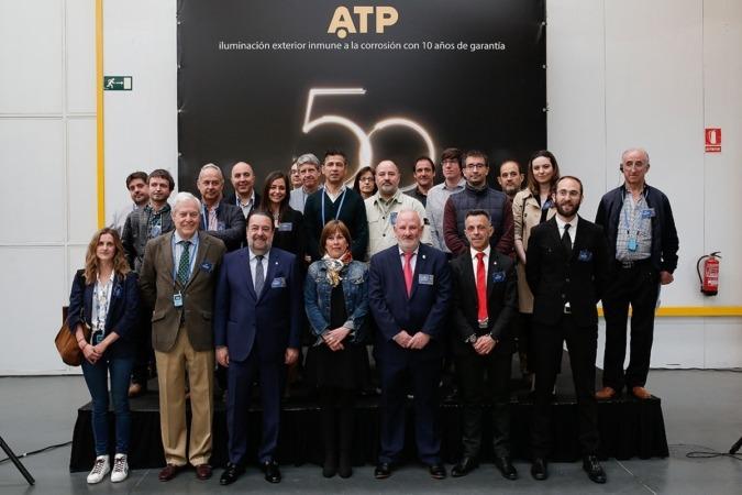 ATP celebra el medio siglo que llevan iluminando las calles.