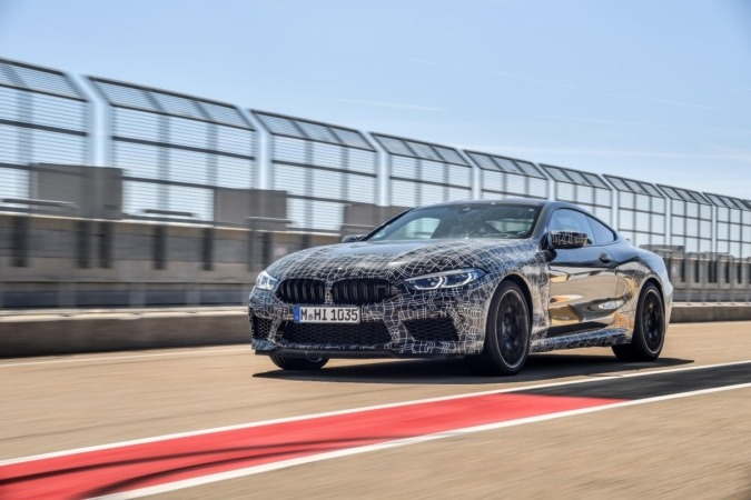 La tecnología de los nuevos BMW M8 permite personalizar la experiencia de la conducción.