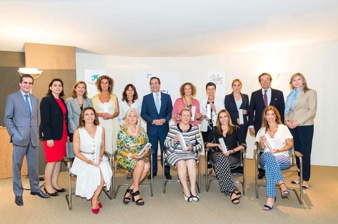 Encuentro de las empresarias ganadoras de 2018 con Gonzalo Gortázar, consejero delegado de CaixaBank, quien tiene a su izquierda a Yolanda Torres, vicepresidenta del Grupo MTorres.
